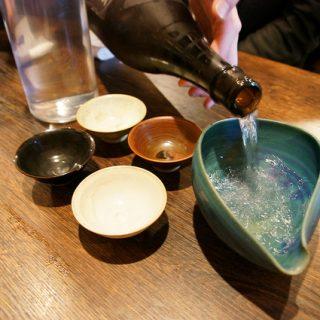 日本酒10種と料理14種で5000円!五反田の日本酒酒場「それがし」で最高に旨い飯と酒を飲んできたぞ!
