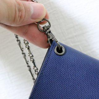 薄い財布に紐を付ける為に、自分で穴を開けてハトメを付けたぞ!