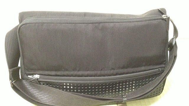超軽量三脚「Fotopro DIGI-3400」がひらくPCバッグにすっぽり入ったぞ!