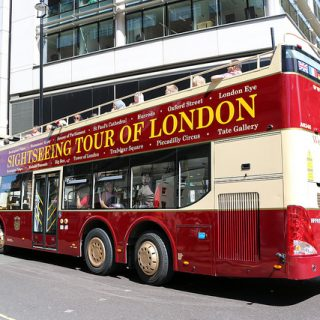 【ロンドン観光】フリーが半日あるなら!乗り降り自由で音声ガイド付き「ビッグバスツアー」がおススメだぞ!