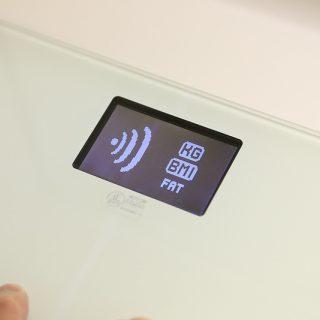 計測後すぐにiPhoneで体重をグラフで確認できるWi-Fi対応体重計「Covia Wireless Scale」を1年半使ってみたぞ!