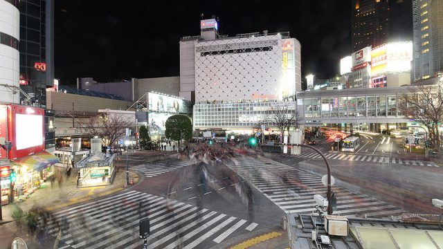超広角レンズを装着したCanon EOS M2で渋谷のスクランブル交差点を撮影して来たぞ!