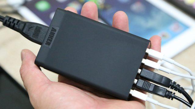 【新商品!】タブレット2枚も同時に充電!40Wのハイパワー5ポートUSB急速充電器が良い感じだぞ!
