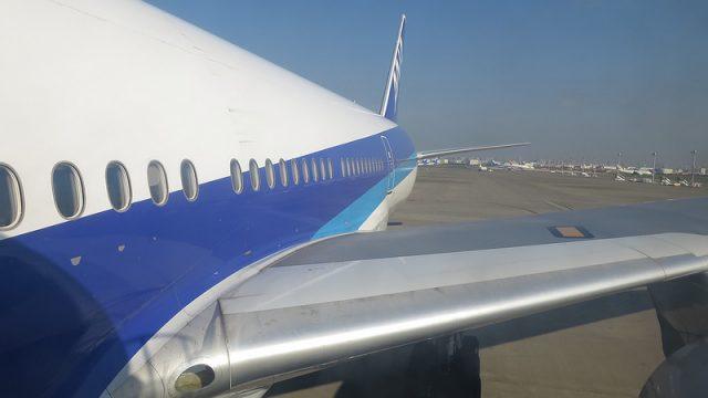赤ちゃんを連れて飛行機に乗る際に気をつけるべきことを調べてみたぞ!