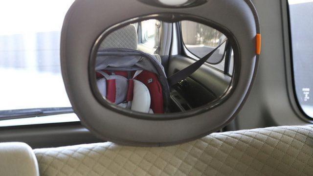 後部座席のベビーシートの様子を運転席から確認できる鏡「BRICA ライト&ミュージカル・ミラー」を買ったぞ!