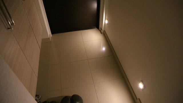 【激安】IKEAのセンサー式LEDライトでカンタンに玄関のお洒落さアップができたぞ!