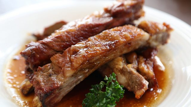 【都立大学】肉汁溢れるスペアリブが絶品!「アメリカンクラブハウス」のランチに行って来たぞ!