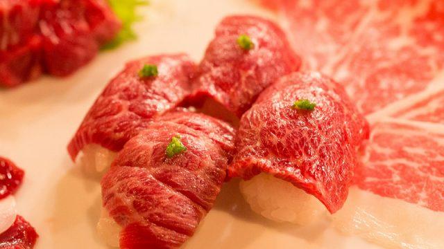 日本一の馬肉専門店!「ローストホース」で極上の馬肉を堪能!馬肉の旨さに改めて気づかされたぞ!