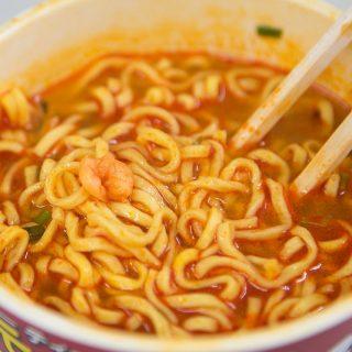 【カップ麺】パクチーの香りがする本格的なトムヤムラーメンを食べてみたぞ!