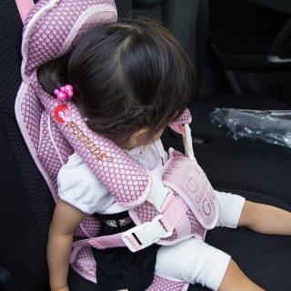 たまに車に子供を乗せる人必見!2980円の折り畳みチャイルドシートが便利だぞ!