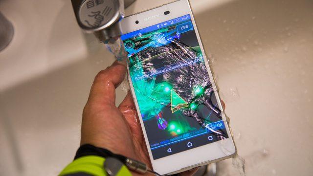 【動画で紹介】Xperia Z4の濡れても操作できるタッチパネルがスゴイぞ!
