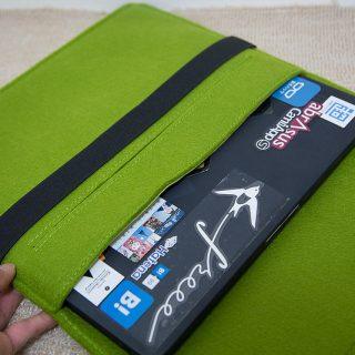 MacBookPro13インチに最適な、綺麗なグリーンのフェルトケースが良い感じだぞ!
