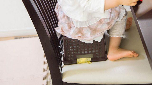 大人用の椅子に座りたがる2歳児のダイニング用ベビーチェア選びに悩んでいるぞ!
