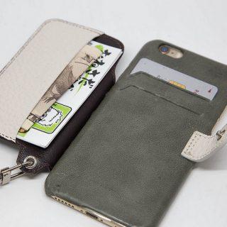 フリップが背面に!?お財布になるiPhoneケース「RAKUNI」!これが便利で手放せないぞ!