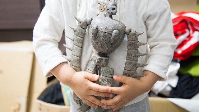 ジブリ好きの娘のお人形遊びに!ラピュタのロボット兵を与えてみたぞ!