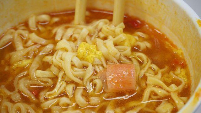 【新商品】カップヌードル「プーパッポンBIG」が甘辛カレーで旨いぞ!