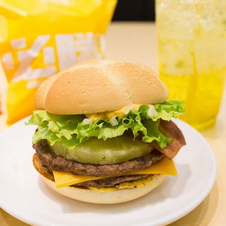 マクドナルドからパイナップル入りの「必勝バーガー」新登場!これがめっちゃ美味いぞ!【PR】 #必勝バーガー