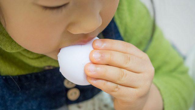 【福岡土産】季節限定の「あまおう苺 鶴乃子」が子どもも喜ぶ旨さだぞ!