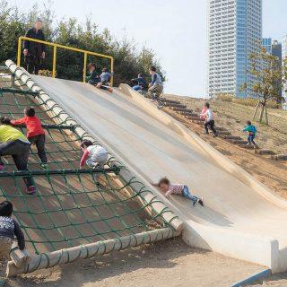 【二子玉川】芝生の広場や遊具がいっぱい!子連れで遊べる「二子玉川公園」がすごく良いぞ!