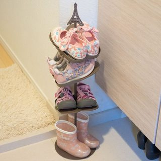 玄関に子どもの靴が散らかってる人へ!子ども用シューズラックを買うと子どもも自分で片付けるぞ!