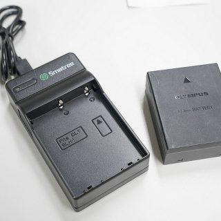 OM-DのバッテリーをUSB経由で充電できるっ!非純正の充電器がメチャ良いぞ!