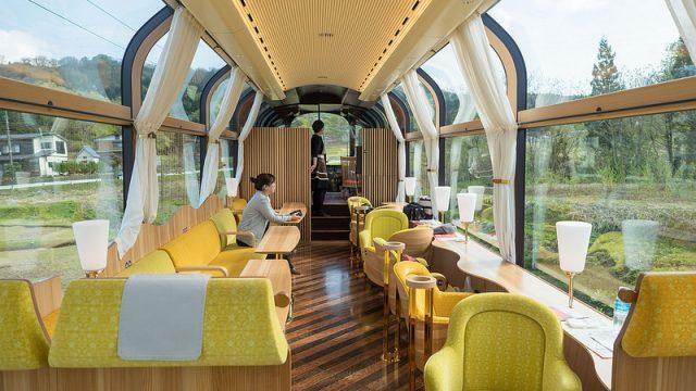 ガラス張りの豪華列車「えちごトキめきリゾート雪月花」で絶景&絶品料理を堪能したぞ! #糸魚川たのしー