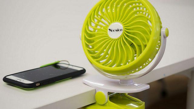 999円の「バッテリー内蔵USBミニ扇風機」がオフィスの机にピッタリで手放せないぞ!