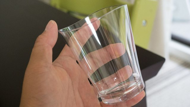 【国産】透明度が高く割れないコップ「ゆらぎ」が子育てや来客用にこれ良いぞ!