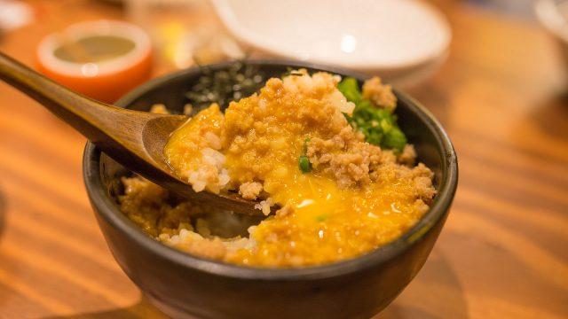 焼き鳥やご飯モノも!『新宿名店横丁』の宮崎直送「とり家 ゑび寿」で絶品鶏料理を堪能したぞ! #新宿名店横丁