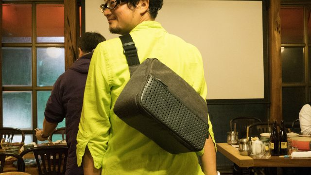 ひらくPCバッグnanoが発売!PCバッグなのにPCの半分のサイズにできた工夫がすごいっ!これはめっちゃ便利だぞ!