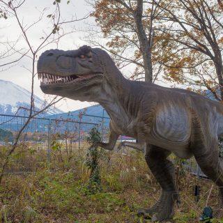 恐竜好きのお子さんに!富士スピードウェイ内の「富士ジュラシックウェイ」で恐竜を堪能できるぞ!