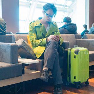 機内持ち込みOKのスーツケースは、容量拡張できるタイプが良いぞ!