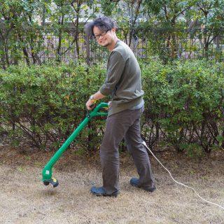 マンションや戸建ての芝や草刈りに!電動草刈機がメチャクチャ便利で買わなかった事を後悔するレベルだぞ!