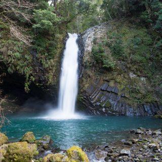 【静岡】あの有名な「浄蓮の滝」は日本の滝100選でわさびの産地だったぞ!