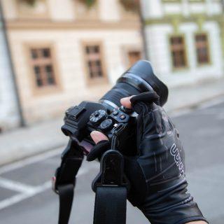 チェコなど寒い場所での撮影に!指先だけ出せるサイクルグローブがフォトグローブとしてちょうど良いぞ! #チェコへ行こう
