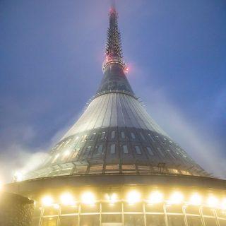 チェコのリベレツにある未来的なタワー「イエシュチェト」がワクワクするぞ! #cz100y #チェコへ行こう #Liberec #リベレツ