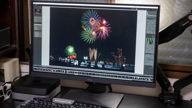 BenQの4K/HDR対応デザイナー向けディスプレイ「PD2700U」が目にも優しく画面もキレイ!しかもPC2台利用にも最適だぞ!【AD】