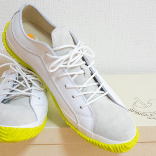 スピングルムーヴの爽やかな配色のスニーカー!白ベースに黄緑で夏にぴったりだぞ!