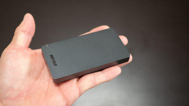 たった48gで960GBのポータブルSSDが持ち運びにも便利で超高速だぞ!