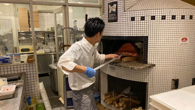 愛媛県松山市「ピッツェリア マルブン 南高井店」で本格ピザ窯で焼くピザが美味しいぞ!
