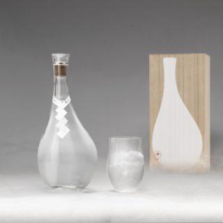日本酒を浄溜して木樽で熟成させる!これまでにない全く新しいお酒『浄酎 – Purified Spirit』が気になるぞ!