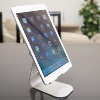 iPadなどタブレットでZoomなどテレビ会議をする人へ!タブレットスタンドがあるとかなり便利だぞ!