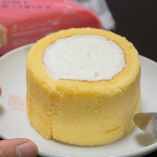 切り株?ってほど分厚い、厚さ2倍のローソンのプレミアムロールケーキ!食べ応えたっぷりで美味しいぞ!