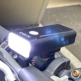自転車用ライトに!大容量6400mAhバッテリー内蔵・1200ルーメンの高輝度LEDライトが安心だぞ!