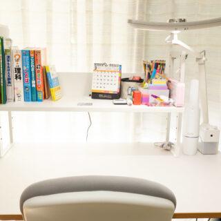 学習机やオフィスデスクの上に!クランプ式の卓上本棚が便利だぞ!