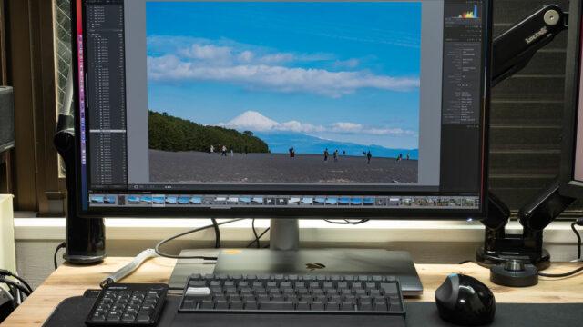 MacBook ProとThunderboltケーブル1本で接続可能!BenQの27インチ 4Kモニター「PD2725U」が快適だぞ!